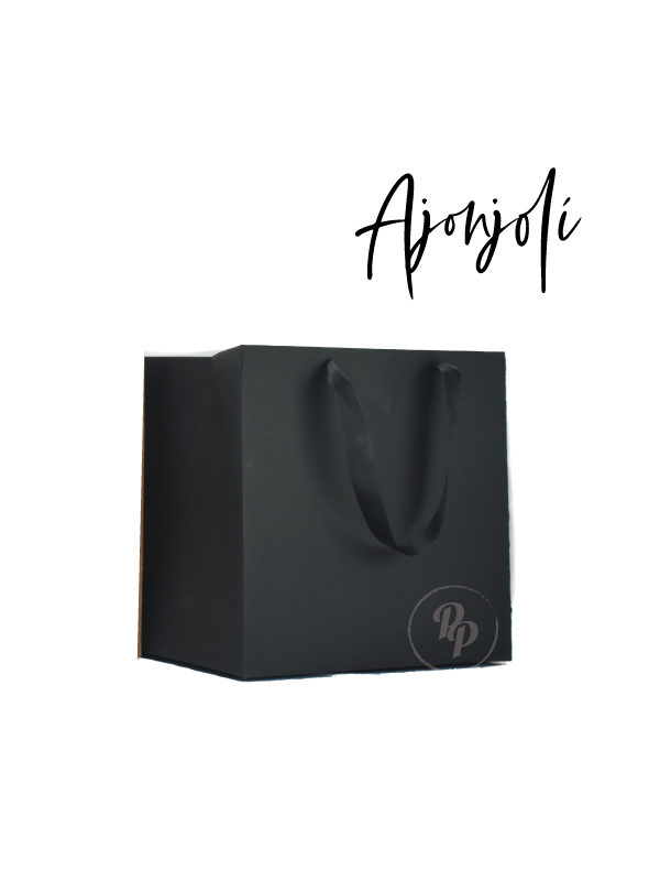 bolsa negra cuadrada